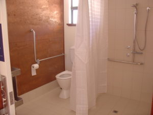 Redgum Retreat Disabled Ensuite Bathroom